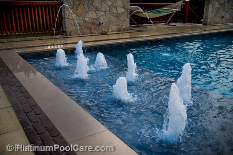Pictures of Swimming Pool Bubblers